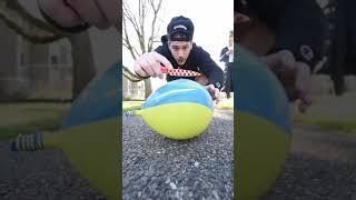 Воздушные шары со льдом Balloon ice cut with knife
