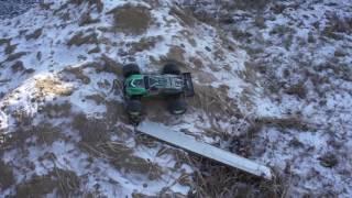 Внедорожник DEXP F 1 заезд на кучу песка