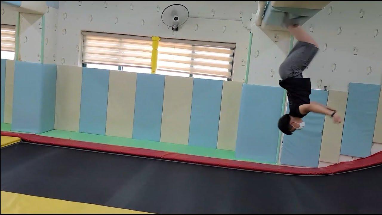 휴일엔 방방이!! 멋진 아이들~^^ Ordinary Korean Children in Trempolinjang