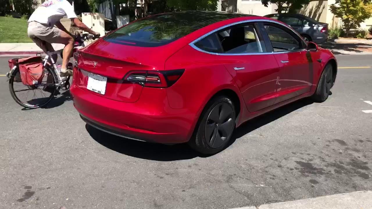 Tesla Model 3, Auto Parallel park. - YouTube