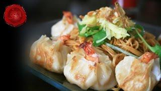 JN Tossed Eggnoodles with Pan-fried Shrimp Dumplings HD