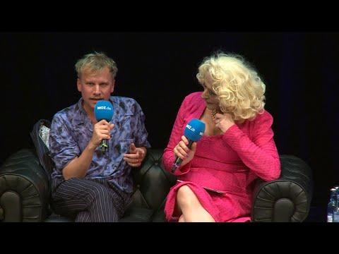 Robert Stadlober zeigt seinen nackten Po from YouTube · Duration:  10 seconds