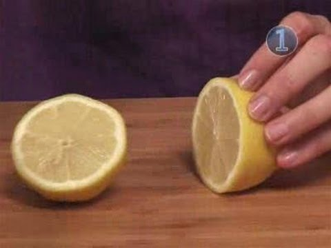 How To Wash Windows With Lemon