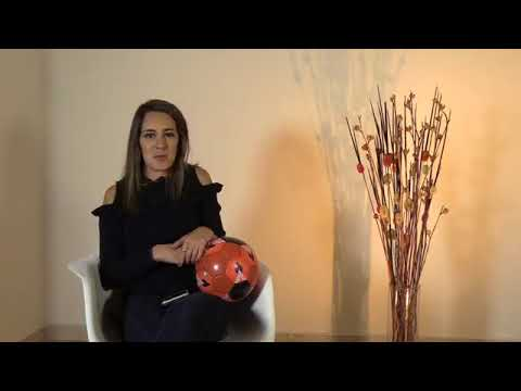 Jimena Álvarez habla con el público de Saga