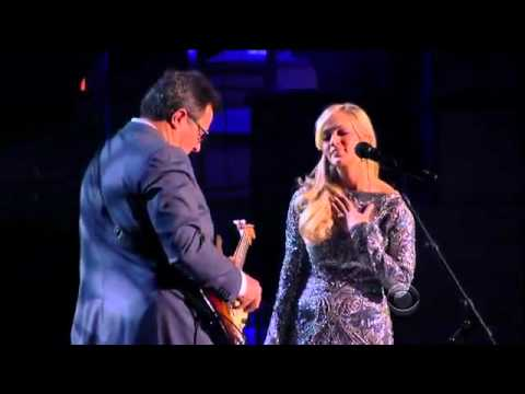 Carrie Underwood Ft. Vince Gill - How Great Thou Art @ ACM Girls' Night Out 2011