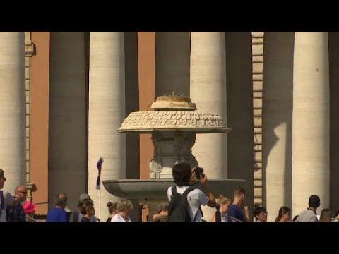 الجفاف يقطع المياه عن نافورات روما السياحية  - 16:21-2017 / 7 / 25