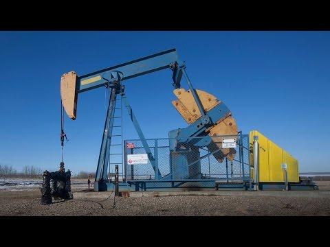 Midday Report: U.S. Stocks Decline as Crude Falls, Yellen Speech Ticks Closer