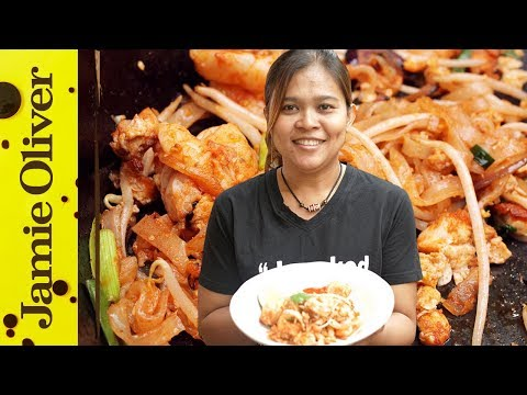 How To Make Classic Pad Thai Cooking With Poo Luchshie Prikoly