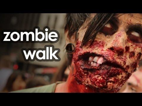 Mortos-vivos contam como se prepararam para a Zombie Walk em SP