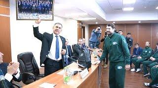 Рустам Минниханов – «Ак Барсу»: «Какой бы результат ни был – вы наши...»