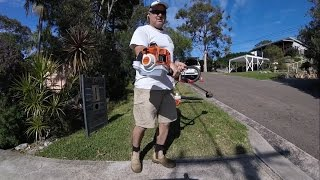 How to edge mow and blow a lawn using a Honda mulching mower