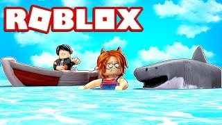 MY NOVIO ABANDONS ME AGAINST A TIBURON IN ROBLOX (Shark attack!) 😱
