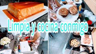 LIMPIANDO Y COCINANDO CONMIGO Unas ricas y deliciosas 🍔+ flan 🍮((Motivate a limpiar conmigo))