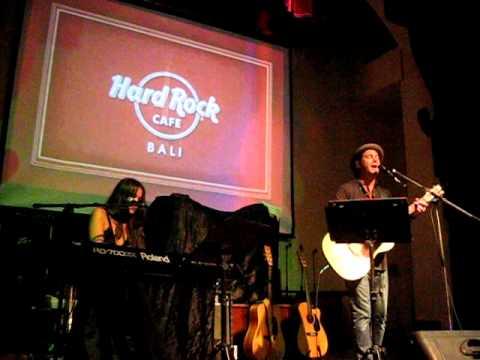 half life - Duncan Sheik  (LIVE on Bali 2011)