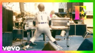 Elton John - The Bitch Is Back (Dodger Stadium, Los Angeles 1975)