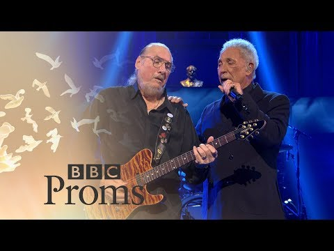 BBC Proms: Tom Jones and Steve Cropper: (Sittin' On) The Dock of the Bay