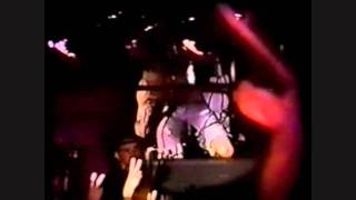 Watch Alice In Chains I Cant Remember video