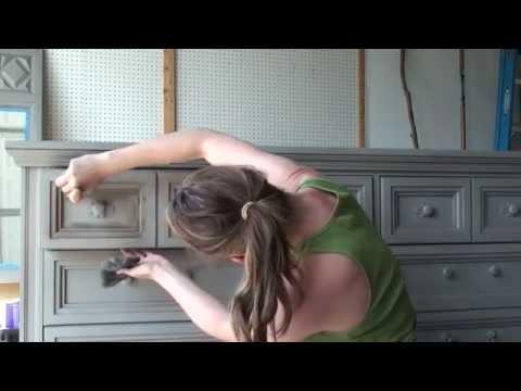 Pretty Distressed™ Annie Sloan Chalk Paint® Tutorial #5 - Dark Wax