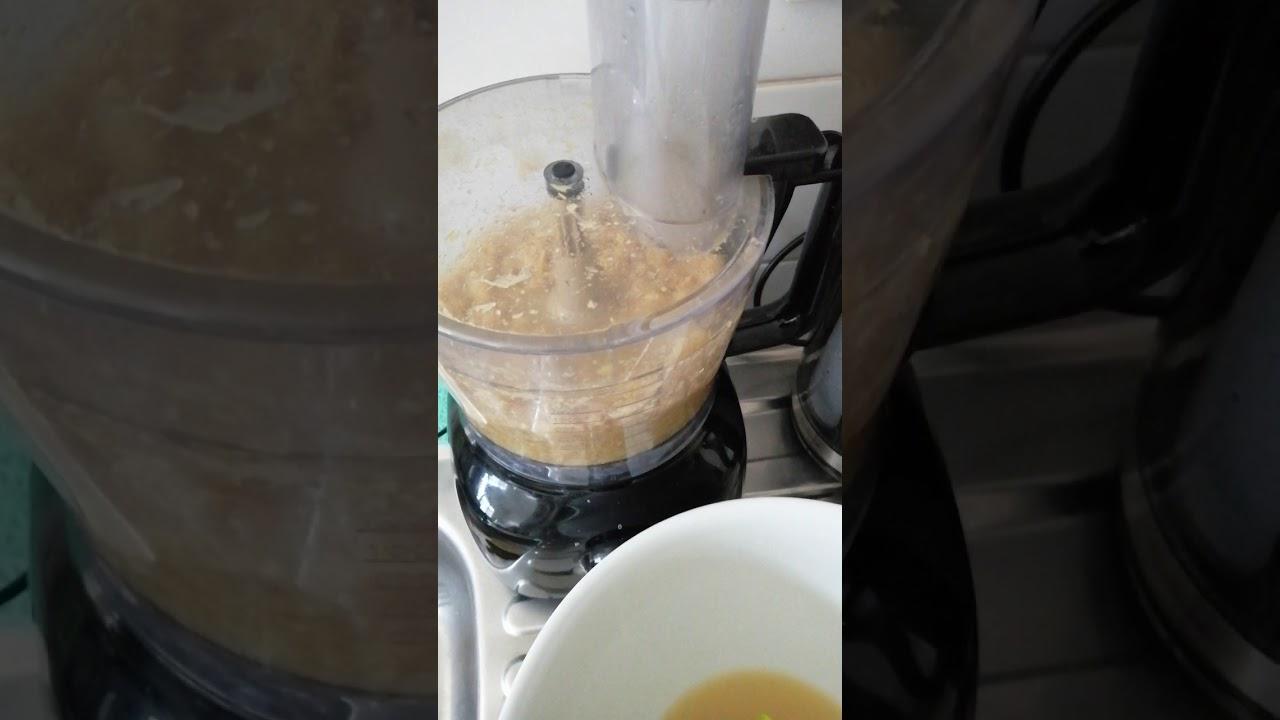 Jus de gingembre fait maison, n'oubliez pas de rajouter de l'eau en mixant, pr éviter q s ...