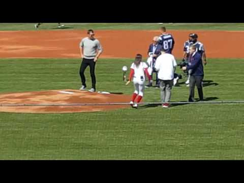 Brady, Gronk et al on opening day for Red Sox