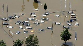 إجلاء آلاف السكان في ألمانيا بسبب فيضان نهر...