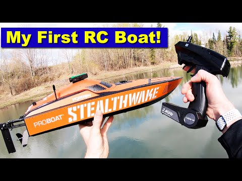 Drone Pilot tries an RC Boat for the first time. The StealthWake ProBoat