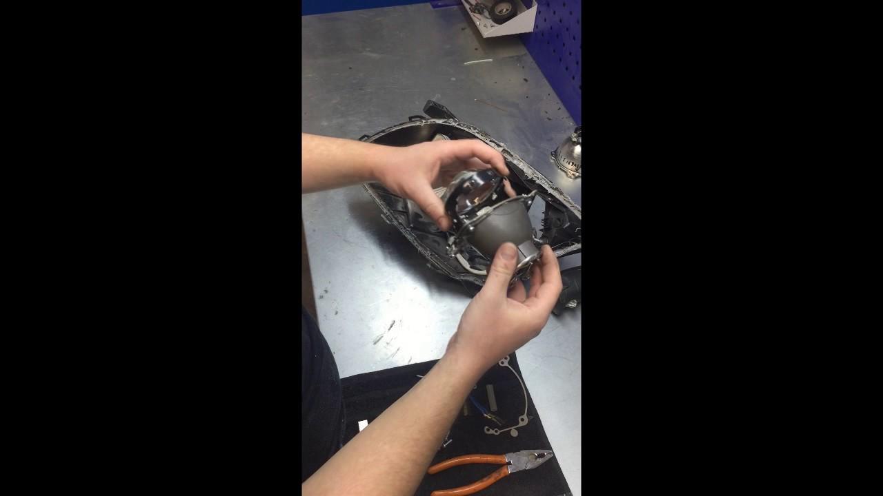 Как заменить линзу в фаре Toyota Avensis 2003 - 2007 с помощью перходных рамок ГАЛОГЕНУ НЕТ