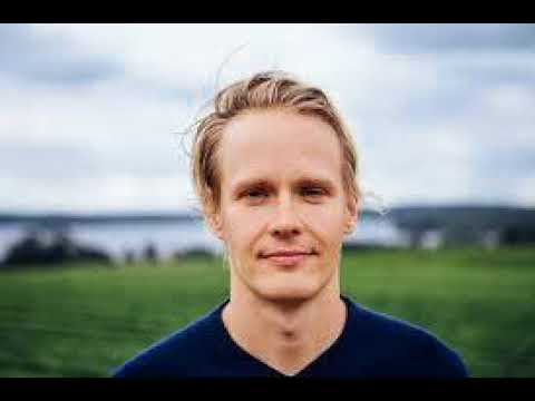 The Finnish Funguy Tero from Four Sigmatic talks Medicinal Mushrooms