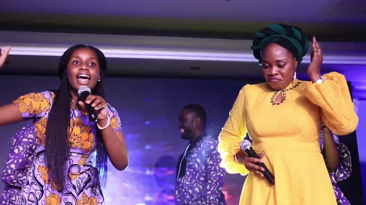 Iseoluwa & Tope Alabi performs Rababa at the Unbreakable Concert