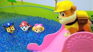 PAW Patrol pool water fun on a slide - Paw Patrol toys