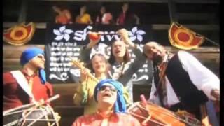GUR NALO ISHQ MITHA / RAKKAUS ON MAKIAA (Shava feat. King G)