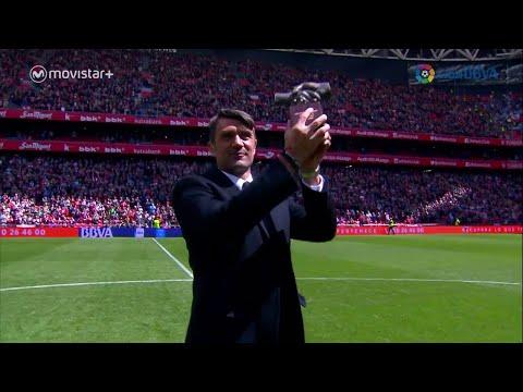Tributo a  Paolo Maldini premiato al San Mames