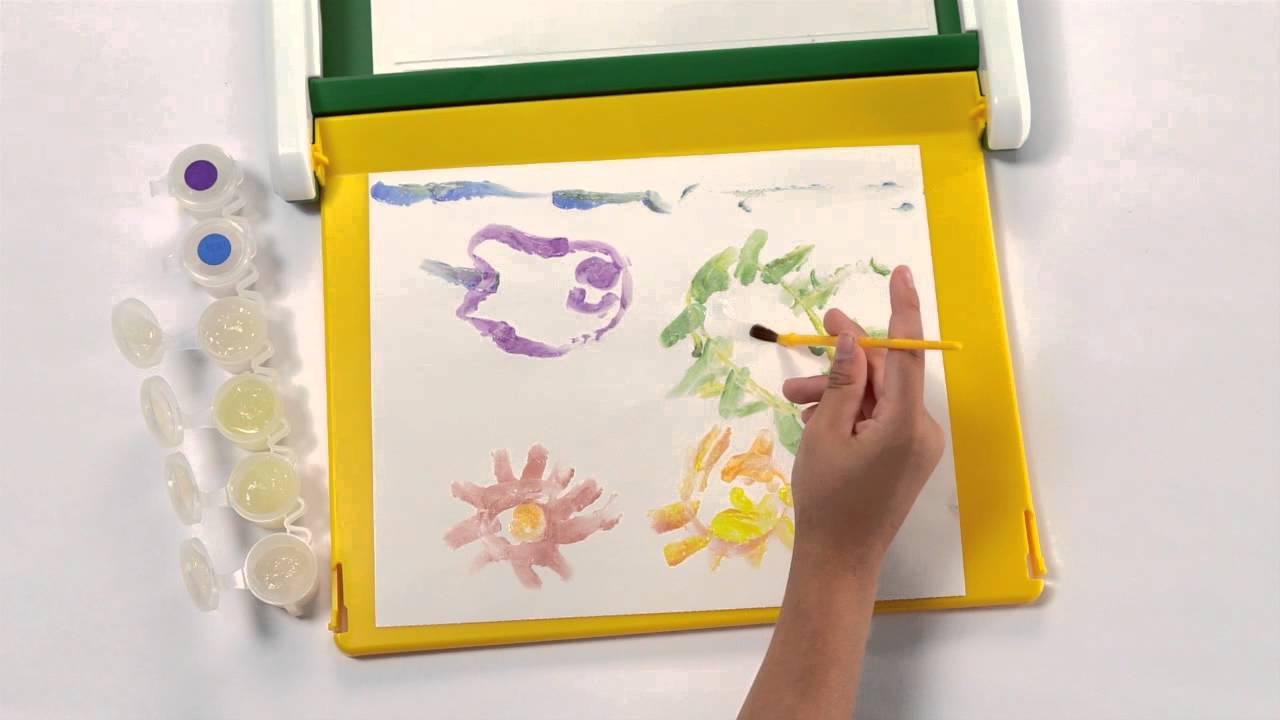 Crayola® Color Wonder® Mess Free Coloring Desk Demo - YouTube
