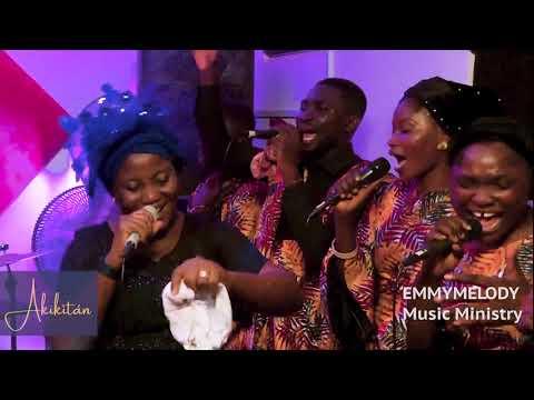 Download EMMYMELODY & SENWELE JESU (EVANG.DR.BUKOLA AKINADE) IN AN ONLINE PRAISE GALORE 5