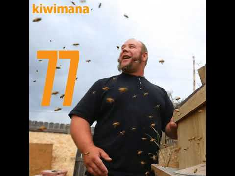 The Bee Whisperer 'Michael Jordan' - KM077