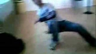 Joni Boi break dance