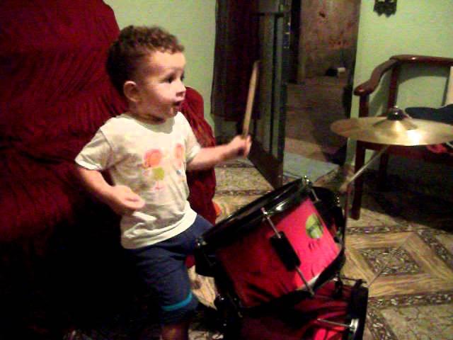 samuel tocando batera o melhor baterista do mundo Vídeos De Viagens