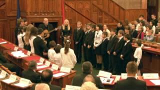 A Crdeo együttes és a ráti Szent Mihály Gyermekotthon éneke és a Szózat Thumbnail