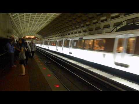 DC Metro (WMATA): Rush Plus Orange line arrived at Farragut West