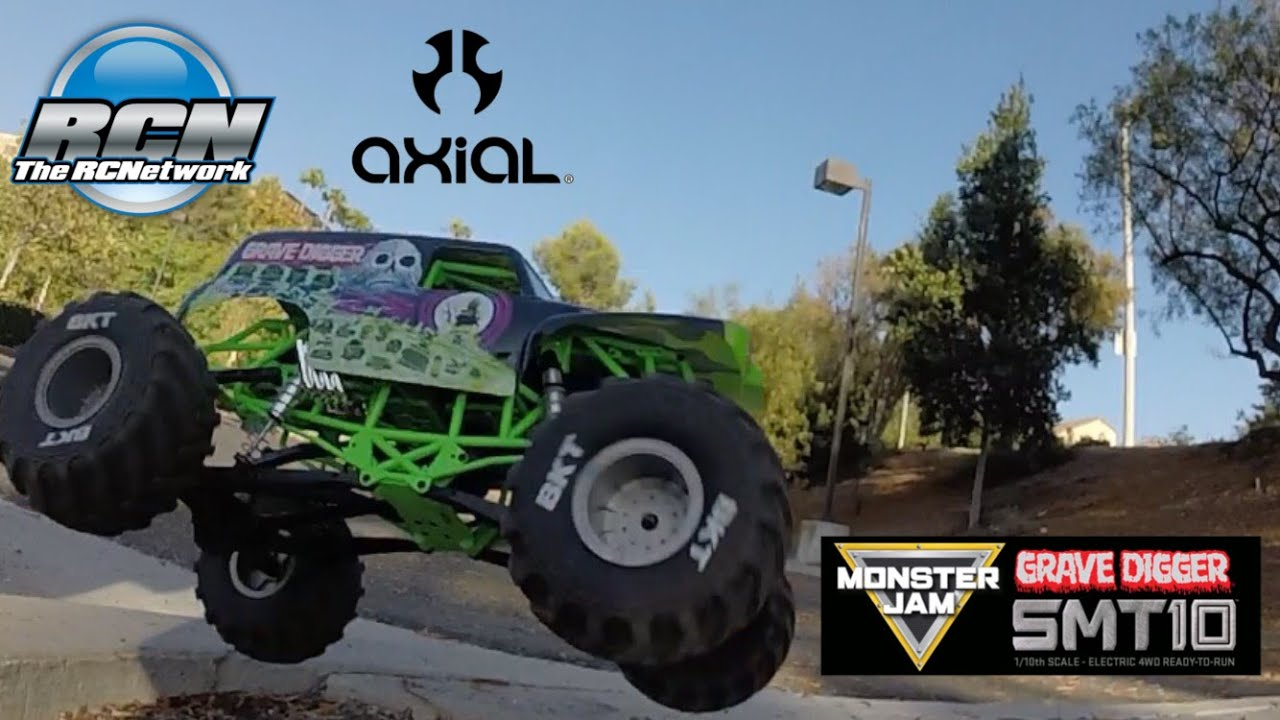 Axial Smt10 Running Video Monster Jam Grave Digger 1 10th