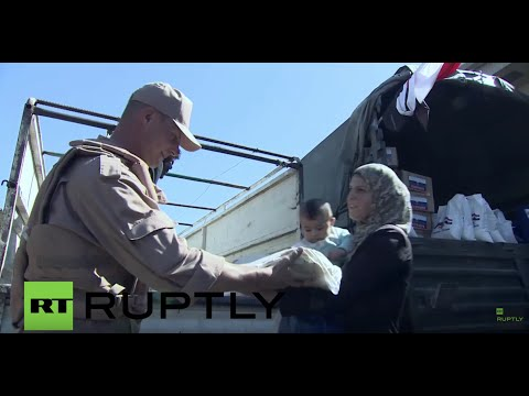 Syria: Russian troops deliver fresh bread and aid to villages in Hama province