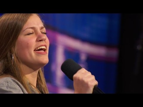 America's Got Talent S09E02 Julia Goodwin Adorable Singer performs Billy Joel's New York State of Mi