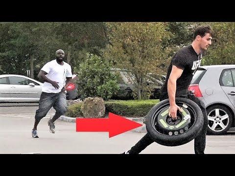 Voler la roue a des inconnue Prank (IbraTV) thumbnail