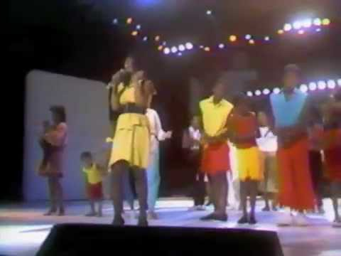 """Donna Summer """"A Hot Summer Night"""" HBO Special - 1983"""