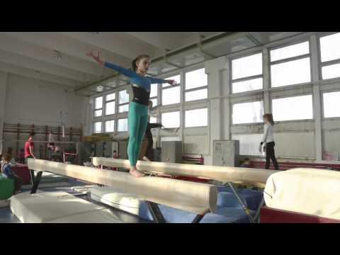 Globe Reporters - A l'entrainement avec de jeunes gymnastes - Roumanie #02