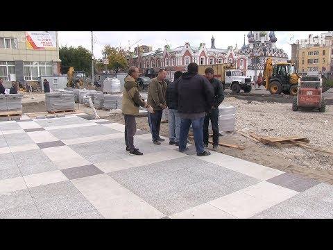 На проспекте Кирова начали укладывать плитку