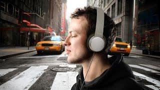 ПРИКОЛ!!! ОЧЕНЬ СМЕШНО!!! Вот как надо слушать музыку!