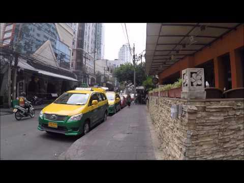 WALKING IN BANGKOK - SUKHUMVIT SOI 8 & 11