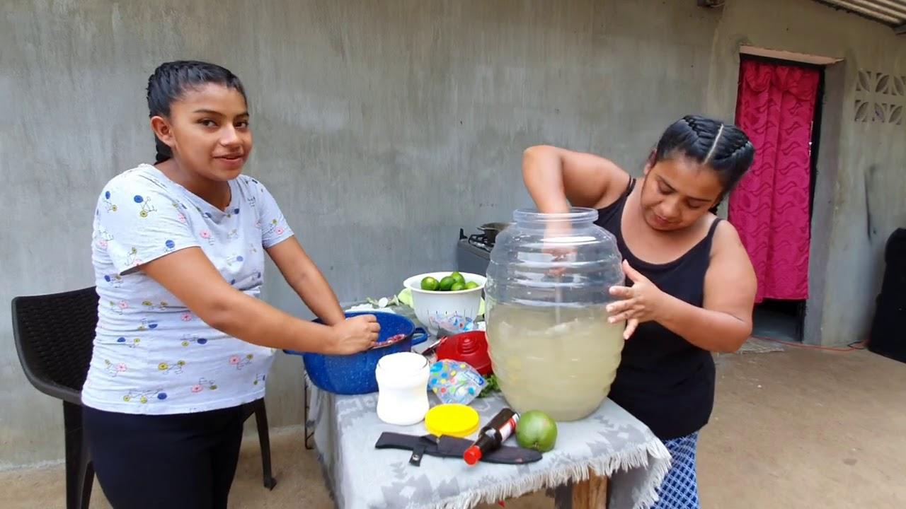 CH¡NA compratiendo con su Mamá el ultimo dia Juntas/Asi se ase el Fresco de limon