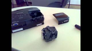 Замена лампы в проекторе Epson.wmv(, 2011-03-23T17:39:21.000Z)